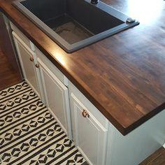 Butcher Block Countertops Kitchen, Wooden Countertops, Kitchen Redo, Kitchen Remodel, Kitchen Design, Kitchen Ideas, Remolding Kitchen, Custom Butcher Block, Log Home Kitchens