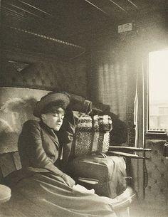 En Wagon, photogravure by Gui de la Bretoniére, 1895, Exposition d'Art Photographique.
