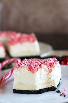Peppermint Bark No-Bake Marshmallow Cheesecake Bars