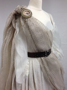 Geillis (Lotte Verbeek) Gathering Dress from Outlander on Starz on Terry Dresbach's blog