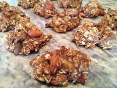 Oats, ripe bananas, handful of almonds, 1 pureed pear and dash cinnamon.bake 350 for 35 minutes Sugar Free Biscuits, Sugar Free Cookies, Sugar Free Desserts, Sugar Free Recipes, Diabetic Desserts, Healthy Dessert Recipes, Healthy Treats, Diabetic Foods, Eat Healthy