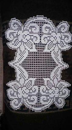 Danteller Filet Crochet, Crochet Doilies, Beautiful Crochet, Diy And Crafts, Knitting, Craftsman Fabric, Crochet Lace, Crochet Table Runner, Crochet Clothes