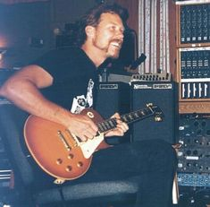 Hetfield gives me the Hetfeels