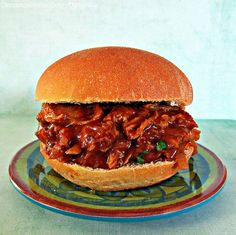Slow Cooker Barbecue Pulled Pork Sandwich *made this last night it was really good, some of our guests even said it was the best pulled pork they ever had. Served with fried onions and coleslaw. Best Crockpot Recipes, Crockpot Dishes, Crock Pot Cooking, Pork Dishes, Slow Cooker Recipes, Dinner Crockpot, Soup Recipes, Barbecue Pulled Pork, Pulled Pork Recipes