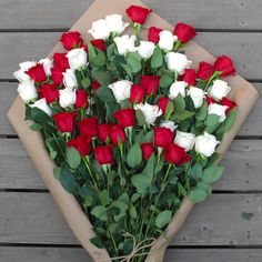 Order flowers online in Dubai for every unique event and in particular on Easter. A special event like Easter can't emerge as extraordinarily satisfactory if it isn't always adorned with flora. Beautiful Flowers Wallpapers, Beautiful Rose Flowers, Amazing Flowers, Red Flowers, Best Online Flower Delivery, Rose Flower Wallpaper, Red And White Roses, Red Roses, Corporate Flowers