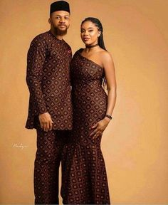 Couples African Outfits, African Dresses Men, African Clothing For Men, African Shirts, Couple Outfits, African Women, Nigerian Clothing, African Wedding Attire, African Attire