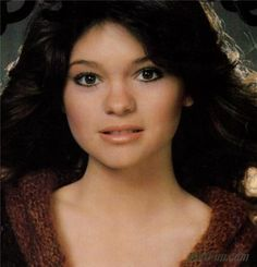 Valerie Bertinelli Aka Barbara from One Day At A Time Touched By An Angel, Valerie Bertinelli, Meg Ryan, 80s Hair, Jaclyn Smith, Van Halen, Timeless Beauty, American Actress, Selena Gomez