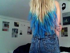BLUE & TURQUOISE ombre hair. so cool!