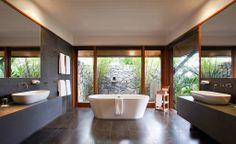 Qualia bathroom