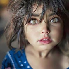 This golden-eyed girl looks startled. Beautiful Eyes Color, Beautiful Little Girls, Stunning Eyes, Pretty Eyes, Beautiful Children, Beautiful Babies, Beautiful People, Pretty Hair, Amber Eyes