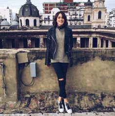 Martina Stoessel Violetta Outfits, Latin Women, Famous Girls, Street Style, Fall Looks, Daily Fashion, Autumn Winter Fashion, Dress To Impress, Celebrity Style