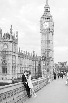 London, England Westminster bridge engagement photos | Abby Grace