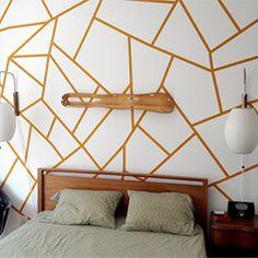 Alecia Stenseth shows us how to make these beautiful geometric walls. (via Design Sponge)