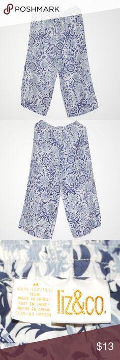 "Comfy Silk Pajamas lounge wear Baggy Bottoms EXC Comfy Silk Pajamas lounge wear Baggy Bottoms EXC Liz & Co 100% Silk Drawstring & elastic waist Inseam: 22.5"" Bottoms: 12"" flat across Blue and White Mandela like pattern Liz & Co Intimates & Sleepwear Pajamas"