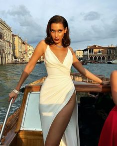 Bella hadid just channelled marilyn monroe in a super high slit dress robe de marie blanche robe sexy africaine styles nigrians mode africaine vtements africains pour les femmes vtements africains ankara mode robe Elegant Dresses, Pretty Dresses, Beautiful Dresses, Formal Dresses, Wedding Dresses, Wedding Reception Outfit, Split Prom Dresses, Straps Prom Dresses, Sequin Prom Dresses
