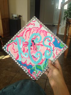 Lilly pulitzer graduation cap. Super cute! Greek Life. Monogram.