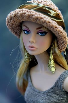 What I would have given to have a pouty Barbie growing up. (pouty doll- not a Barbie) Pretty Dolls, Cute Dolls, Beautiful Dolls, Beautiful Gorgeous, Fashion Royalty Dolls, Fashion Dolls, Diva Dolls, Poppy Parker, Little Doll