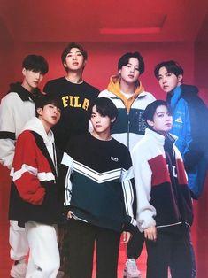 Taehyung, Bts Bangtan Boy, Bts Jimin, Bts Group Photos, Bts Official Light Stick, Fans Cafe, Bts Lockscreen, Bulletproof Boy Scouts, Bts Wallpaper