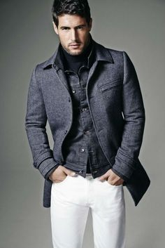 http://www.canalmasculino.com.br/looks-masculinos-como-usar-calcas-brancas-no-inverno/