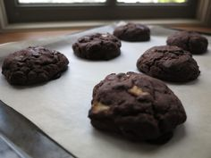 Flora's Kitchen Stories Kitchen Stories, Flora, Cookies, Chocolate, Desserts, Crack Crackers, Tailgate Desserts, Deserts, Biscuits