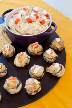 My favouriye go to appetizer! Crab Stuffed Mushroom Caps, Stuffed Mushrooms, Good Food, Yummy Food, Tasty, Epicure Recipes, Great Recipes, Favorite Recipes, Crab Dip