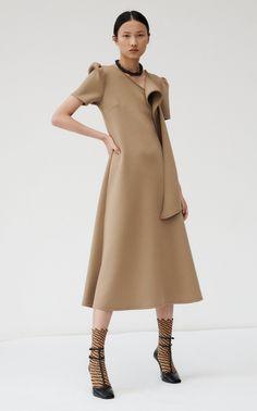 Beaufille Fall 2020 Ready-to-Wear Fashion Show - Vogue Boho Fashion, Autumn Fashion, Girl Fashion, Fashion Dresses, Vintage Fashion, Fashion Design, Classy Fashion, Fashion Today, Ladies Fashion