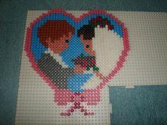 Wedding couple hama beads -Les mariés en perles a repasser -Création réalisée par : isabelle8119