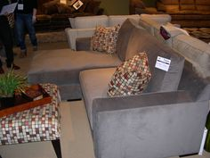 Stanton Showroom - A very attractive apartment-sized sectional.