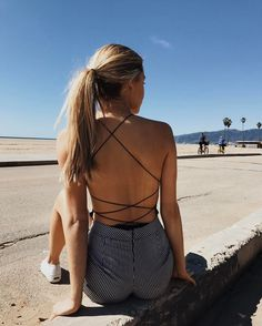 "45.3 m Gostos, 123 Comentários - Brandy Melville (@brandymelvilleusa) no Instagram: ""#brandyusa Rose Bodysuit and the Rumi Shorts online ☀️"""