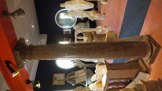 """Säule in Marmor - http://www.achillegrassi.com/de/project/colonne-stile-dorico-in-marmo-rosso-asiago-magnaboschi-lucido-2/ - Dorische Säule in rotem Asiago """"Magnaboschi"""" Marmor, poliert Maße:  250cm x 40cm x 40cm Ø 30cm"""