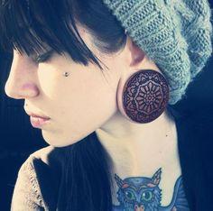 (Elissa Shelton) wearing the Mandala plugs Facial Piercings, Ear Piercings, Ear Jewelry, Body Jewelry, Jewlery, Labret Vertical, Uk Custom Plugs, Stretched Lobes, Plugs Earrings