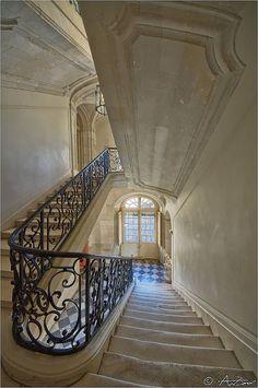 Chateaux de Villandry | reference for Celeste Mortinné's apartment building in Paris @ the last canvas