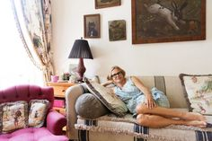 Comedian Amy Sedaris on why you should steam with laxative flakes and do your own makeup for all your red carpet glamour needs. Amy Sedaris, Apartment Furniture, Interior And Exterior, Sofas, Accent Chairs, Couch, Throw Pillows, Room, Inspiration
