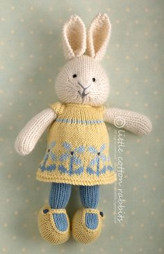 Vintage Yellow And Blue Cottage ...delfine by littlecottonrabbits, via Flickr Rabbit Shop, Rabbit Toys, Bunny Toys, Knitted Dolls, Knitted Bunnies, Knitted Stuffed Animals, Knit Or Crochet, Crochet Toys, Layette