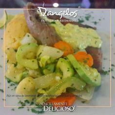#PlatodelDía Atún en salsa de berenjenas al curry acompañado con puré y vegetales #SencillamenteDelicioso