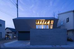 Wrap House / APOLLO Architects & Associates