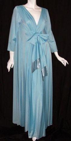 Vintage Lingerie LUCIE ANN peignoir set in blue with sash, via Dorothea's Closet Vintage. Pretty Lingerie, Vintage Lingerie, Beautiful Lingerie, 1960s Outfits, Vintage Outfits, Vintage Clothing, 1960s Fashion, Vintage Fashion, Marcel Rochas