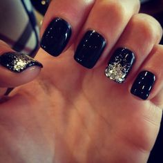 Black Nails - Silver Glitter Tip Accent Nails