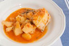 En ideas para el menú de esta semana, os aconsejo una receta sencilla y deliciosa. Un guiso de merluza con patatas http://www.recetasderechupete.com/guiso-de-merluza/15538/ #guiso de #merluza