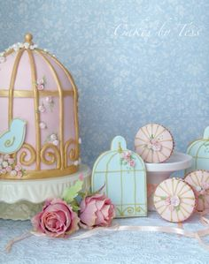 Tessa cakes birdcage and little cookies I love it!!