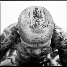 Yantra tattoo tradition: Sacred Ink project by Cedric Arnold Rare Tattoos, Asian Tattoos, Old Tattoos, Yantra Tattoo, Sak Yant Tattoo, Tattoo Photography, Summer Photography, Historical Tattoos, Temple Tattoo