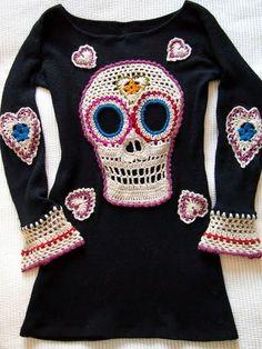 crochelinhasagulhas: Vestido de malha com aplicação de crochê