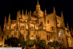 The Cathedral at night, Segovia, Spain You Are The World, Our World, Backpacking Spain, Spain Culture, Spain Holidays, Places Of Interest, Place Of Worship, Romanesque, Spain Travel