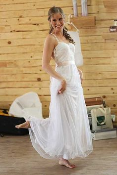 Great Floor-length Sleeveless Natural Lace Wedding Dresses