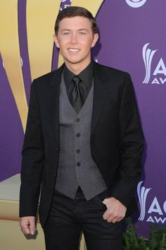 Scotty McCreery on the red carpet at the 2012 ACM Awards via CMT.com (Jason Merritt/Getty Images)