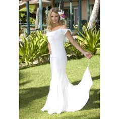 Queen Kaahumanu Hawaiian Wedding Holoku - Laua`e Collection Beach Wedding Dress (Apparel)  http://balanceddiet.me.uk/lushstuff.php?p=B000UIEEK4  B000UIEEK4