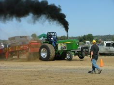 tractor pictures   Tractor Pull 1 Picture Gallery: A John Deere Tractor Pull Extravaganza
