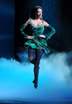 Google Image Result for http://images.goldstar.com/gse_subscriber_media/001/748/972/riverdance_2.jpg%253Fw%253D960