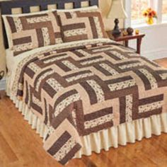 Reversible Camden Brown Patchwork Quilt from Collections Etc. Patchwork Quilt Patterns, Beginner Quilt Patterns, Quilt Bedding, Bedding Sets, Duvet, Patch Quilt, Quilt Blocks, Half Square Triangle Quilts Pattern, Bed Cover Design