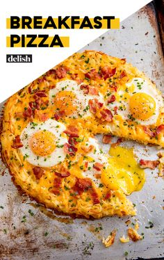 Pizza Cheesy breakfast pizza is the real breakfast of champions. Get the recipe at .Cheesy breakfast pizza is the real breakfast of champions. Get the recipe at . Breakfast Pizza, Breakfast Dishes, Healthy Breakfast Recipes, Brunch Recipes, Healthy Recipes, Gourmet Breakfast, Sweet Breakfast, Easy Egg Breakfast, Breakfast Tortilla